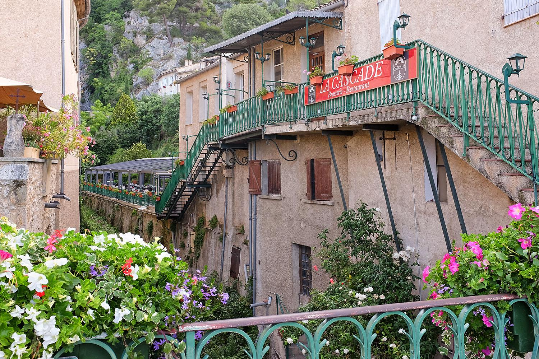 The kiechle family the area moustiers sainte marie for Restaurant la cascade