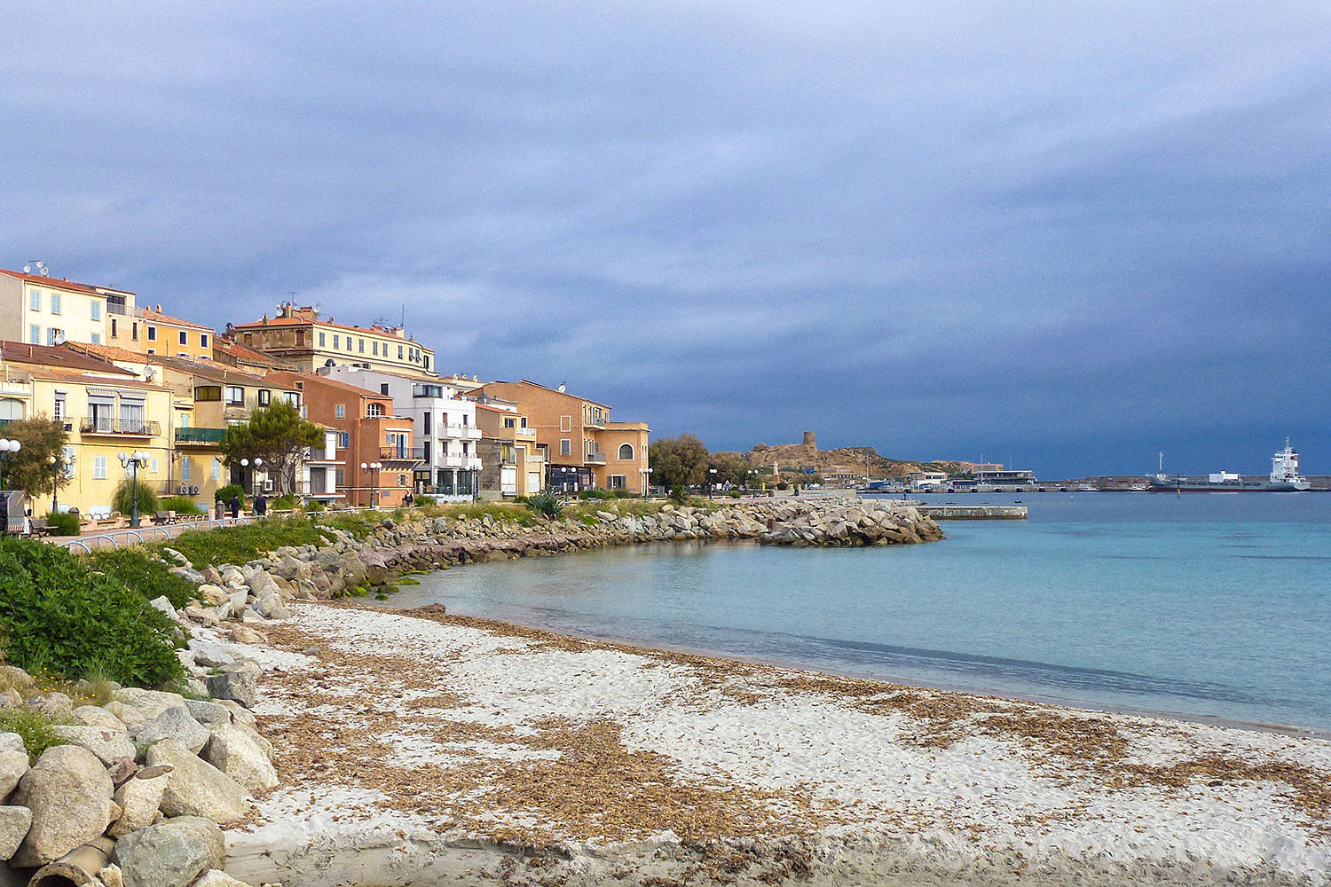 the kiechle family trips three days in corsica. Black Bedroom Furniture Sets. Home Design Ideas